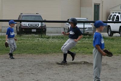 End of Season Baseball 6-20-09 096