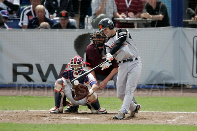 pim mulier stadion honkbal haarlemse honkbalweek nederlands team 2008 oranje Chinese Taipei tegen Nederland Taiwan baseball roel koolen slaat hit voor nederland slagman