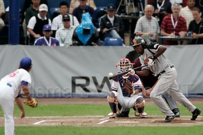 pim mulier stadion honkbal haarlemse honkbalweek nederlands team 2008 oranje Chinese Taipei tegen Nederland Taiwan baseball eugene kingsale voert een goede stootslag uit
