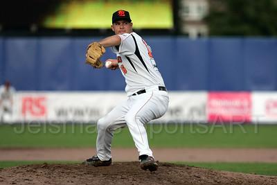 pim mulier stadion honkbal haarlemse honkbalweek nederlands team 2008 oranje netherlands - cuba pitcher werper kenny berkenbosch  aan het werk als starter