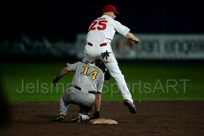 Kinheim  - L&D Amsterdam Pirates Holland series 2008 Pim Mulier stadion honkbal baseball haarlem pavel van zaane sneuvelt op tweede honk door actie Rene cremer