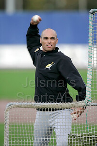 Kinheim  - L&D Amsterdam Pirates Holland series 2008 Pim Mulier stadion honkbal baseball haarlem rikkert Faneyte (hoofdcoach) gooit de batting practise