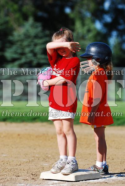 BPD T-Ball Cardinals 06-29-08 043