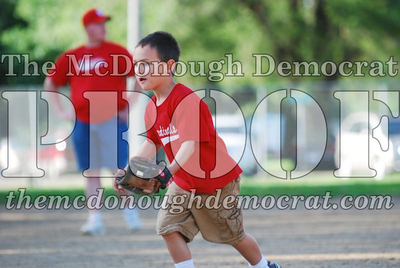 BPD T-Ball Cardinals 06-29-08 054