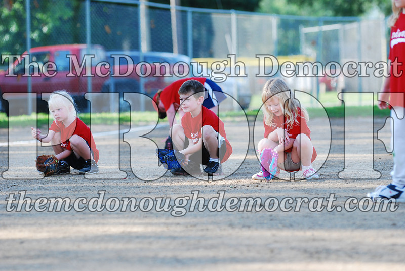 BPD T-Ball Cardinals 06-29-08 048