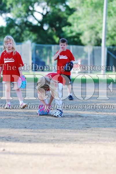 BPD T-Ball Cardinals 06-29-08 046