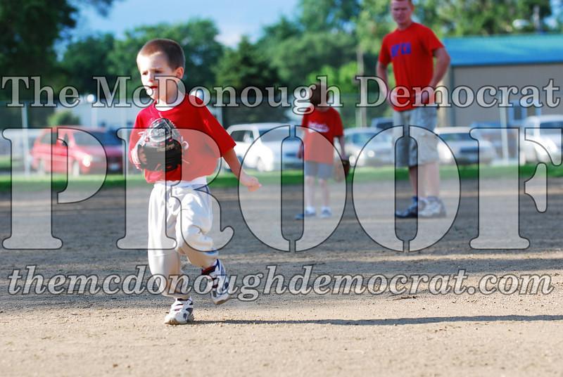 BPD T-Ball Cardinals 06-29-08 051