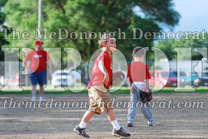 BPD T-Ball Cardinals 06-29-08 056