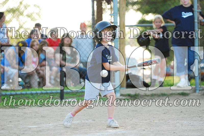 BPD T-ball Dogers 06-22-08 063 (18)