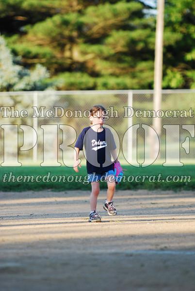 BPD T-ball Dogers 06-22-08 063 (31)