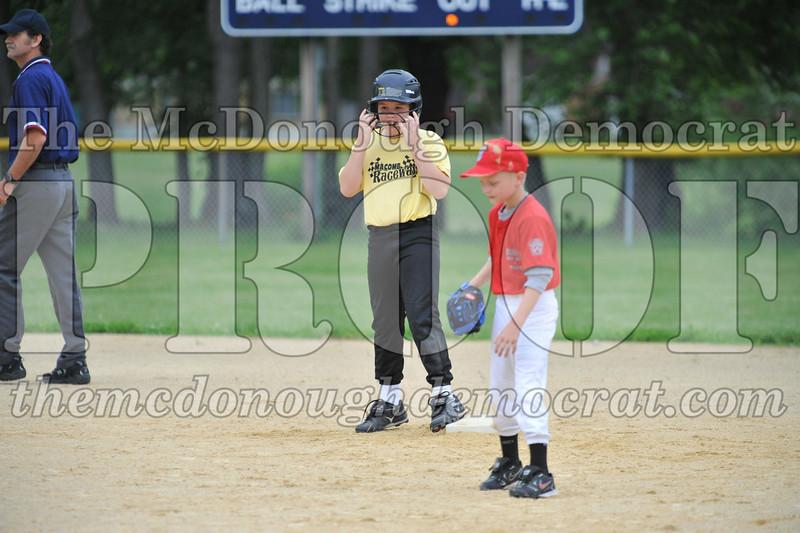 LL Minors Bushnell#1 vs Macomb Spdwy 06-06-09 030