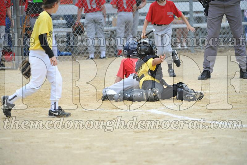 LL Minors Bushnell#1 vs Macomb Spdwy 06-06-09 012