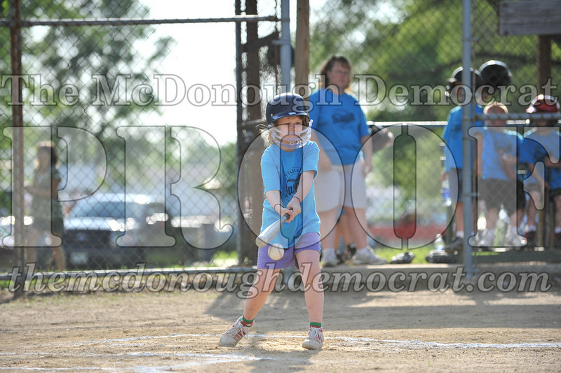 BPD Coaches Pitch Blue vs Green 06-03-09 071