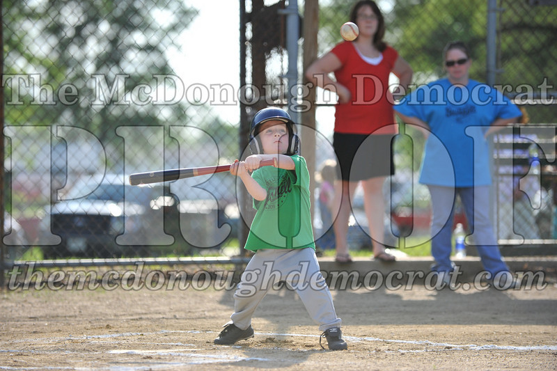 BPD Coaches Pitch Blue vs Green 06-03-09 019