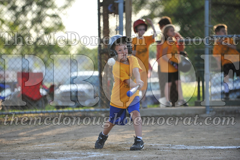 BPD Coaches Pitch Gold vs Yellow 06-03-09 058