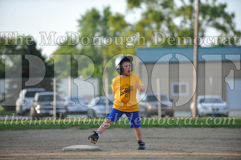 BPD Coaches Pitch Gold vs Yellow 06-03-09 067