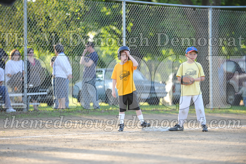 BPD Coaches Pitch Gold vs Yellow 06-03-09 030
