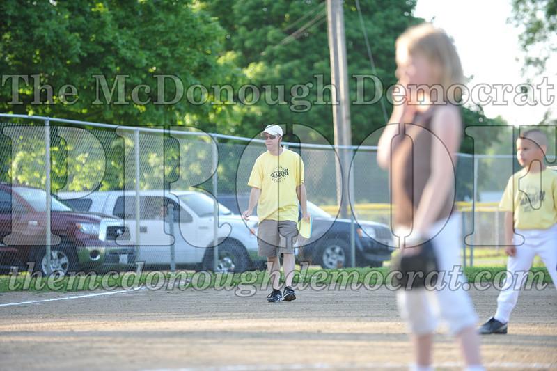 BPD Coaches Pitch Gold vs Yellow 06-03-09 043