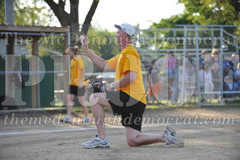 BPD Coaches Pitch Gold vs Yellow 06-03-09 051