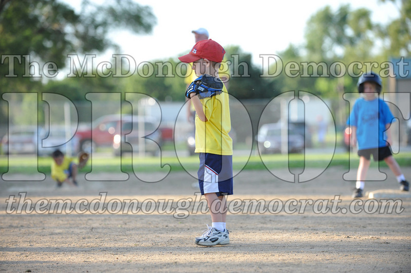 BPD T-Ball Blue vs Yellow 06-28-09 006