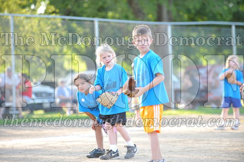 BPD T-Ball Blue vs Yellow 06-28-09 062