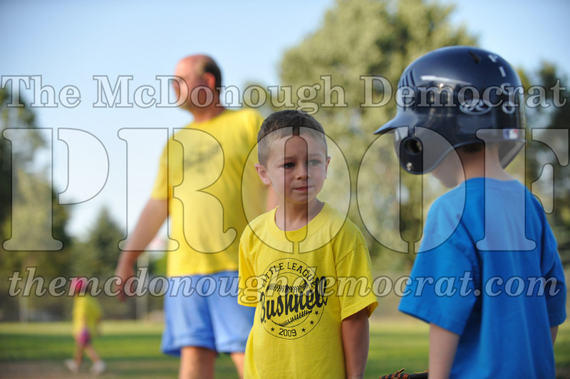 BPD T-Ball Blue vs Yellow 06-28-09 013