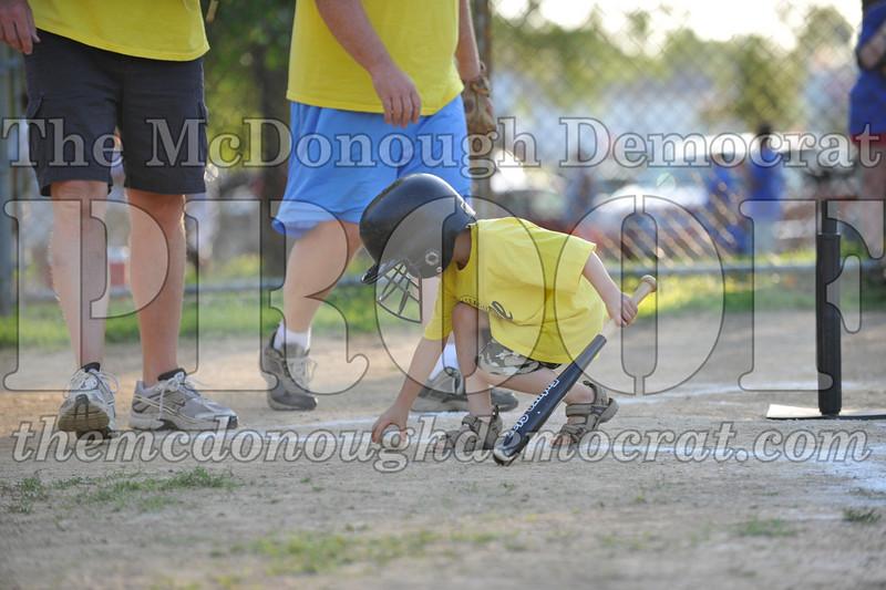 BPD T-Ball Blue vs Yellow 06-28-09 039