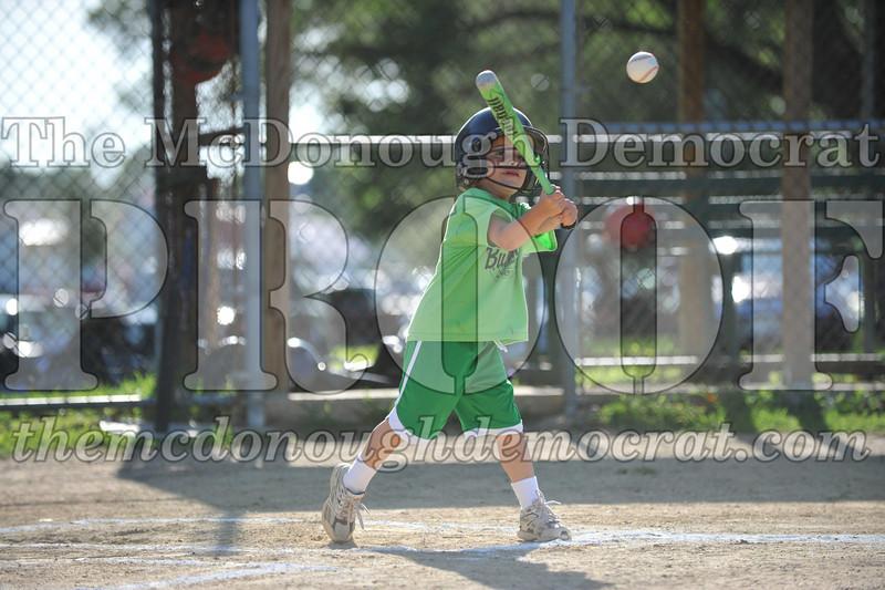 BPD T-Ball Red vs Green 06-28-09 070