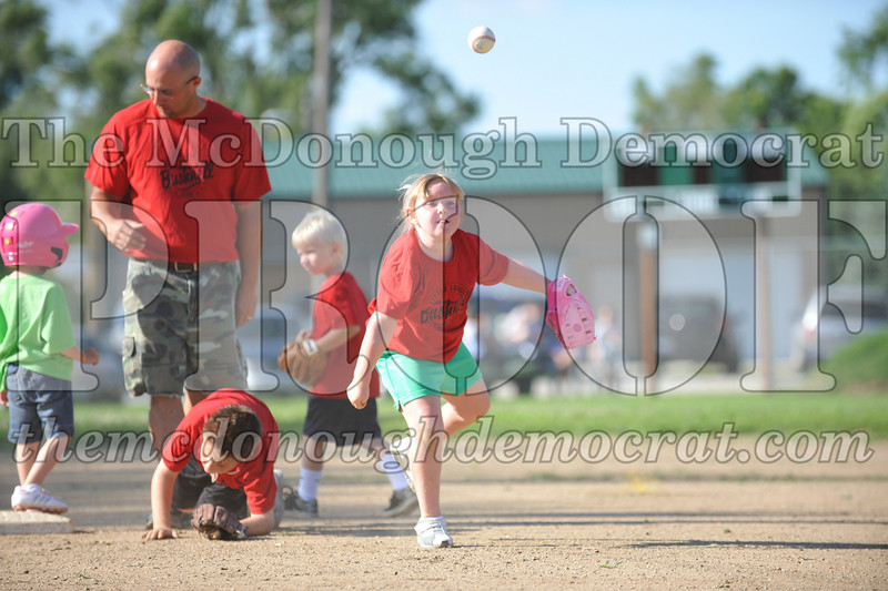 BPD T-Ball Red vs Green 06-28-09 016