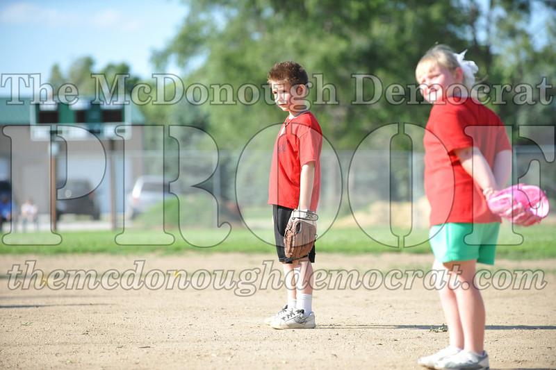 BPD T-Ball Red vs Green 06-28-09 004