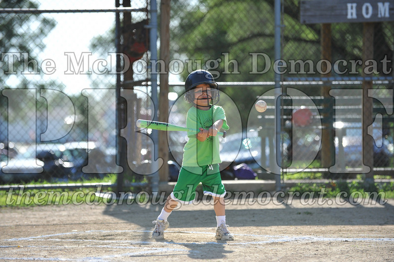 BPD T-Ball Red vs Green 06-28-09 065