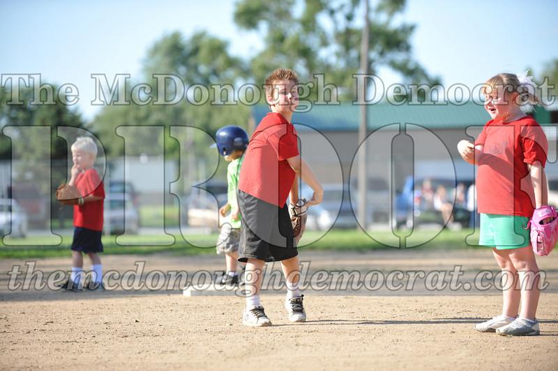 BPD T-Ball Red vs Green 06-28-09 046