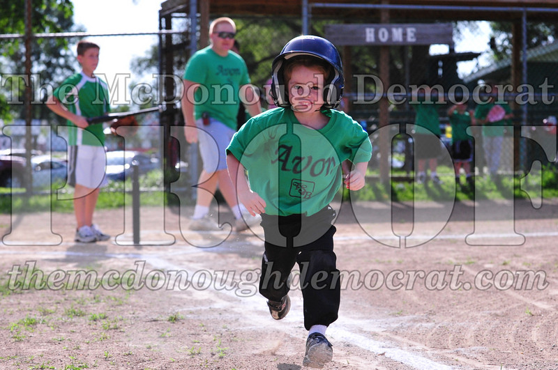LL T-ball Avon Green vs Yellow 07-12-09 012