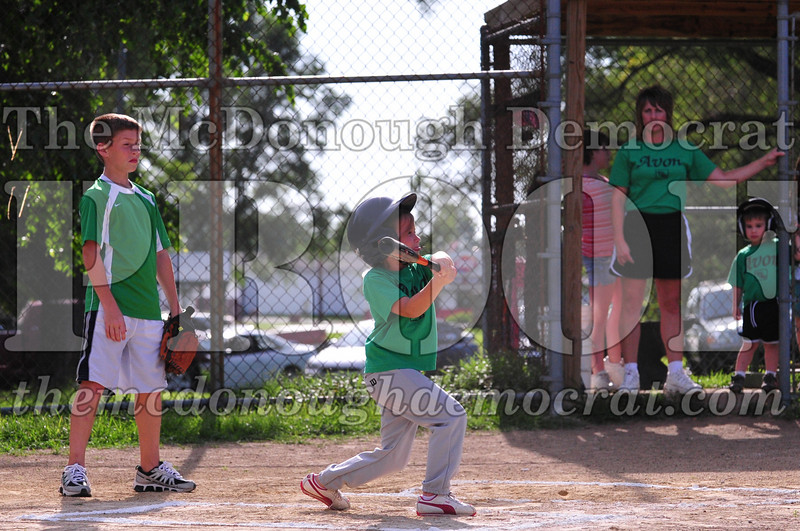 LL T-ball Avon Green vs Yellow 07-12-09 022