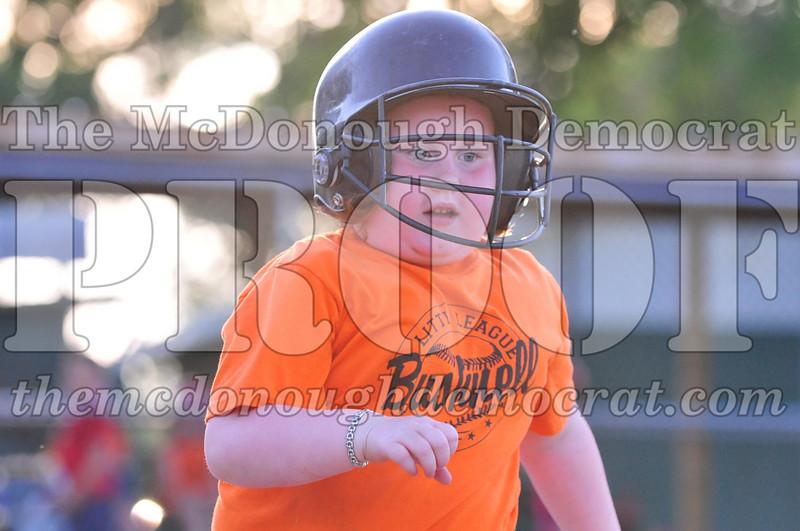 LL T-ball Orange vs Green 07-12-09 072