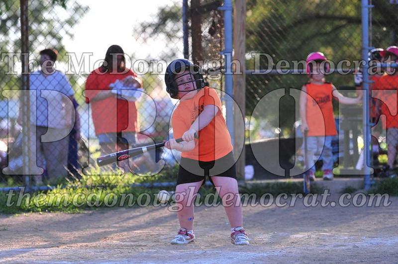 LL T-ball Orange vs Green 07-12-09 066