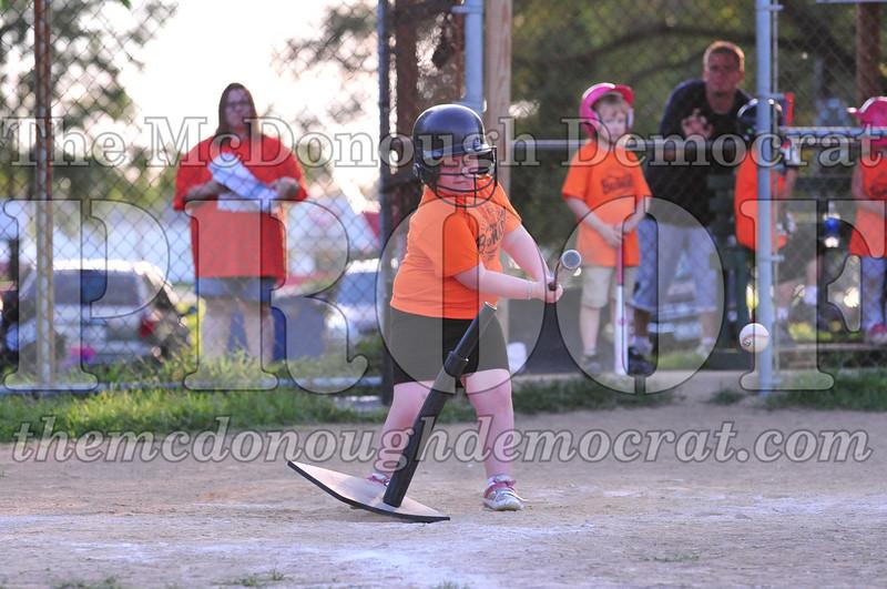 LL T-ball Orange vs Green 07-12-09 071