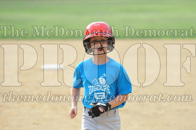 LL Minors MemoryLane vs Diggers 06-10-10 053
