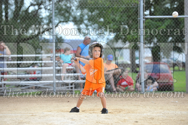 LL T-Ball Orange vs Teal Blue 06-27-10 042