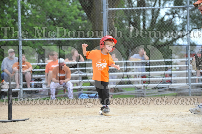LL T-Ball Orange vs Teal Blue 06-27-10 047