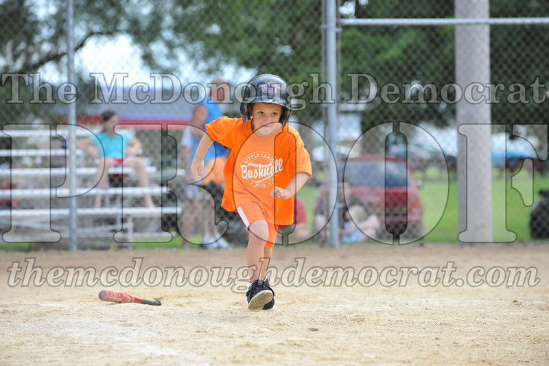 LL T-Ball Orange vs Teal Blue 06-27-10 045