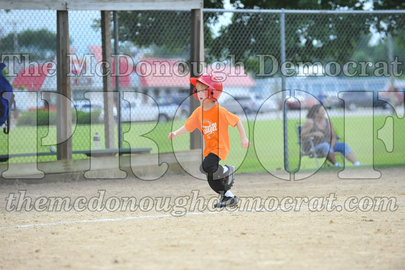 LL T-Ball Orange vs Teal Blue 06-27-10 031