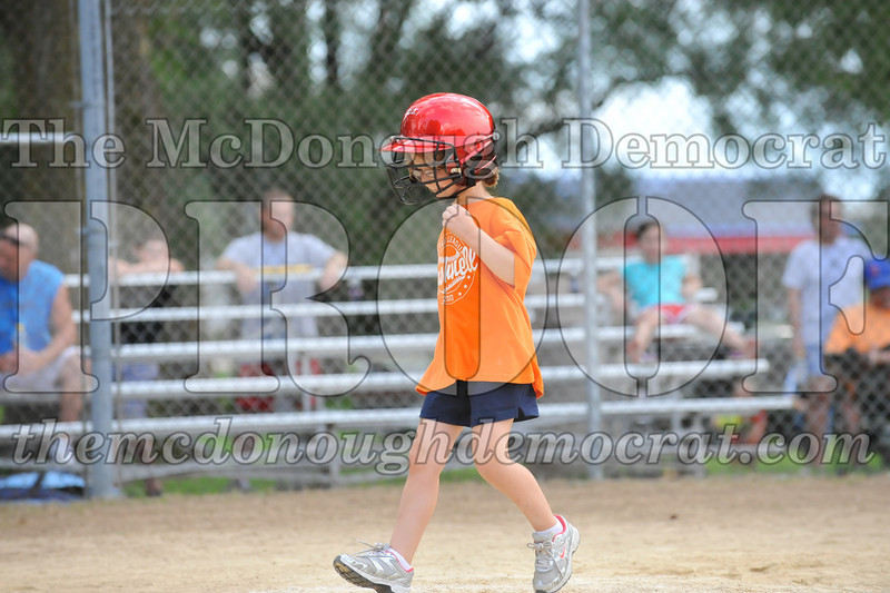 LL T-Ball Orange vs Teal Blue 06-27-10 055