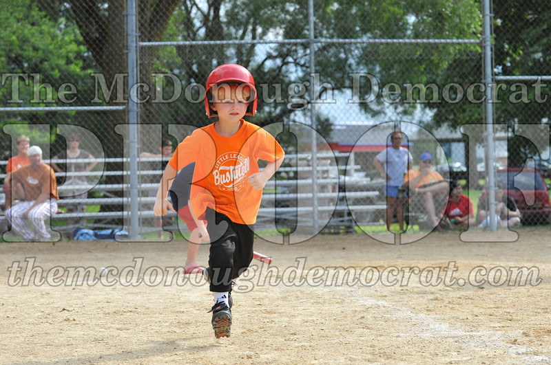LL T-Ball Orange vs Teal Blue 06-27-10 004