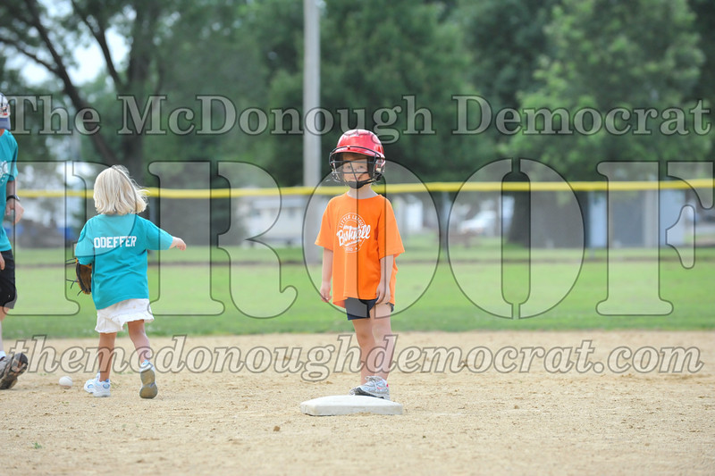 LL T-Ball Orange vs Teal Blue 06-27-10 033