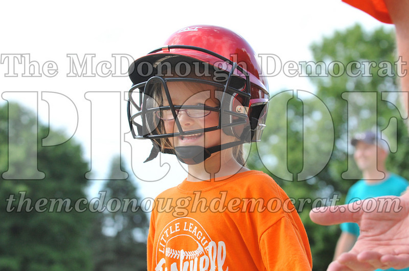 LL T-Ball Orange vs Teal Blue 06-27-10 019