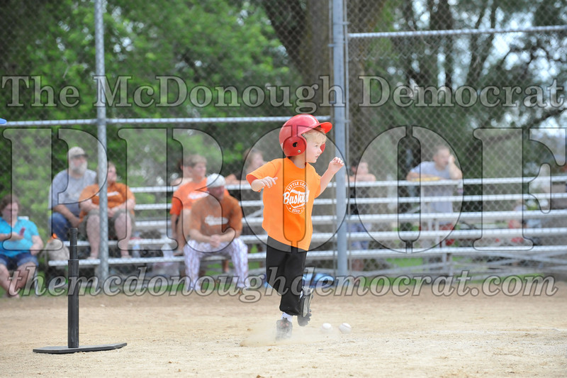 LL T-Ball Orange vs Teal Blue 06-27-10 048