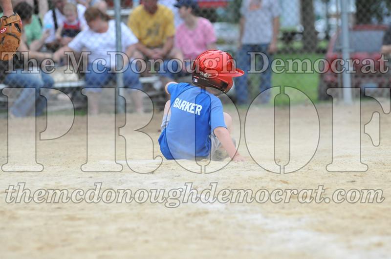 LL T-Ball Yellow vs Blue 06-27-10 071