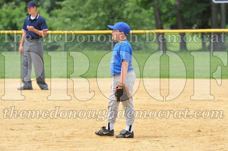 LL Minors Boys Bsb Bushnell Blue vs Aurelio's 06-11-11 026