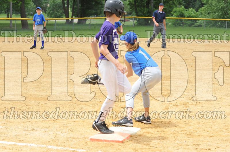 LL Minors Boys Bsb Bushnell Blue vs Aurelio's 06-11-11 040